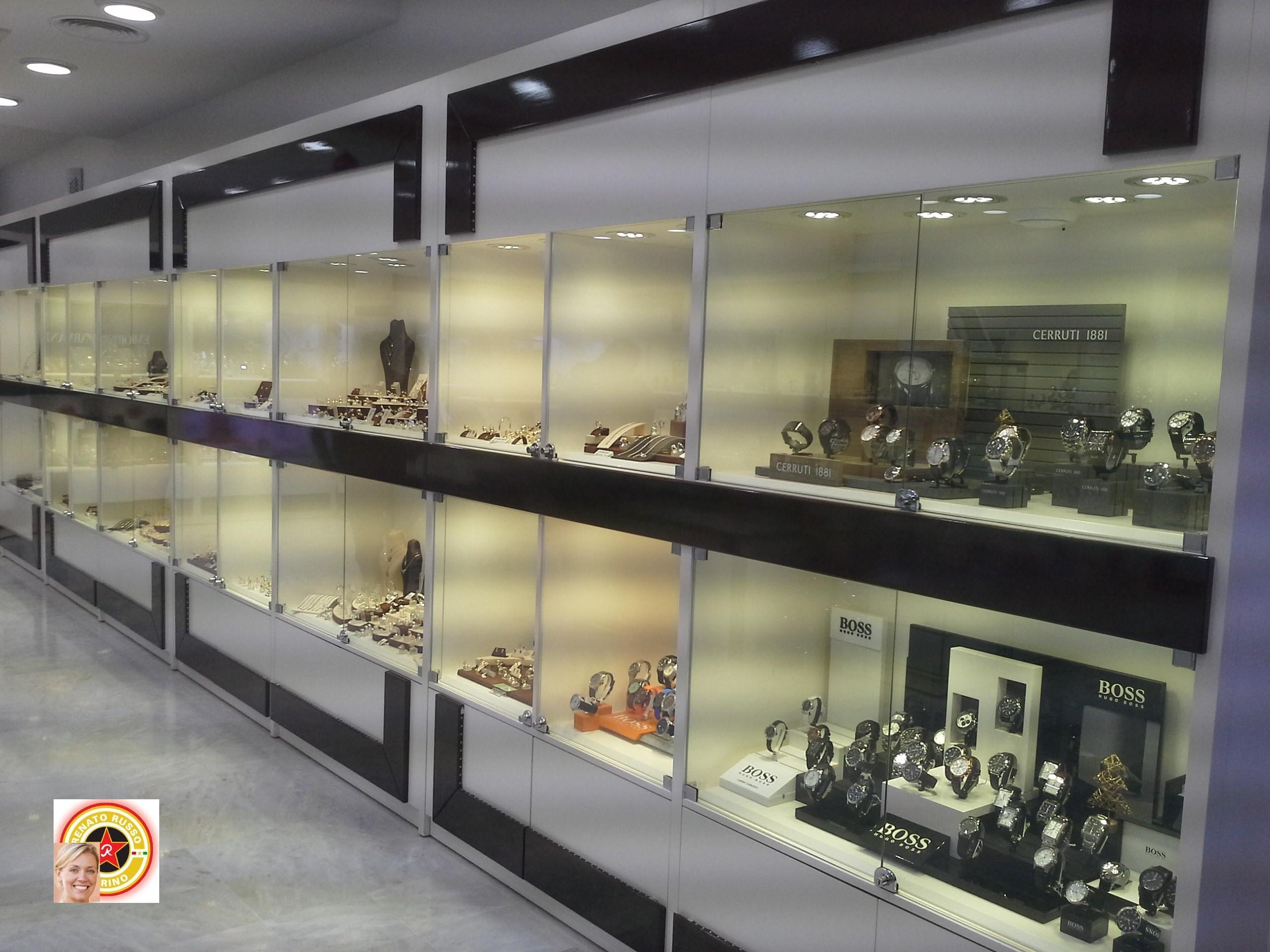 Arredamenti per gioiellerie compra in fabbrica for Negozi mobili torino